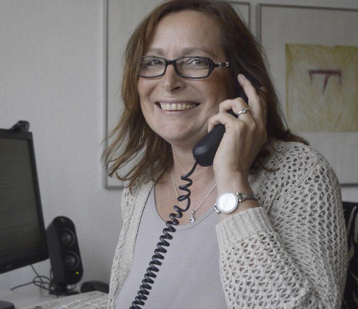 Was täte ich bloß ohne Telefon - Englitz Immobilien freut sich über jeden Anruf von Kunden und Interessenten